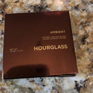 Hourglass Strobe Lighting Blush